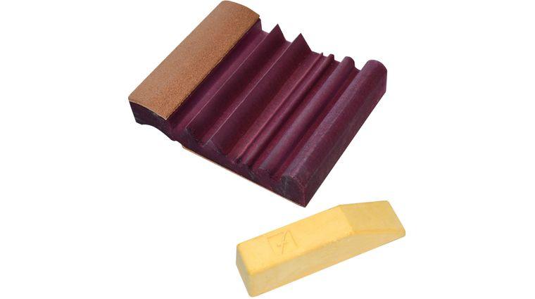 Flexcut 4 inch x 3.25 inch Leather SlipStrop w/ Polishing Compound